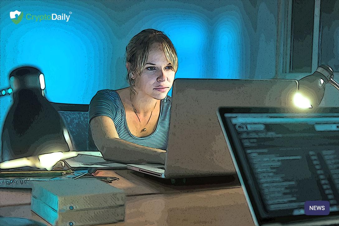 woman-writing-laptop